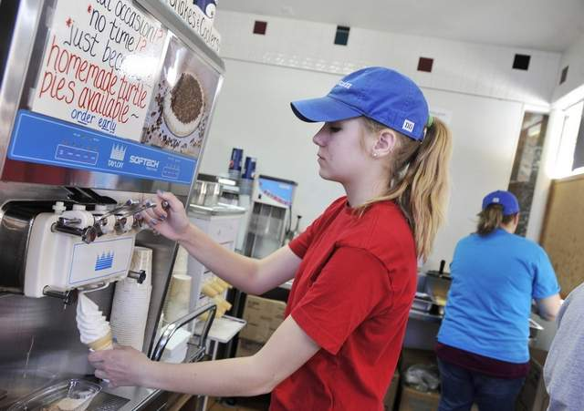 Teen job outlook up for this summer